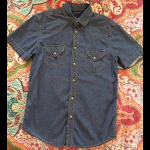 Western Style, Chambray w/ snap buttons, Sz. Sm
